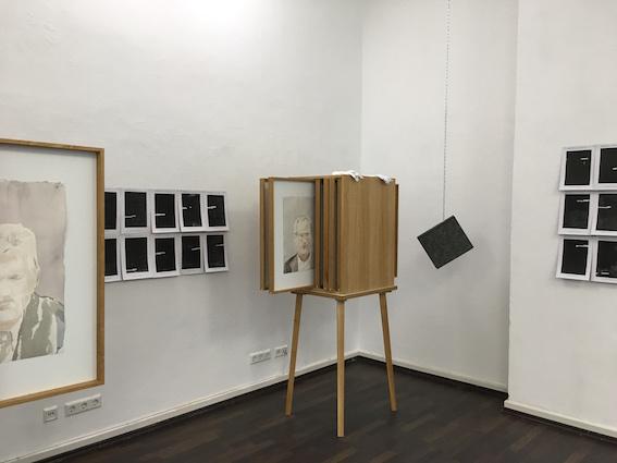Katharina Kohl, Ausstellungsansicht Personalbefragung in der galerie postel 2018